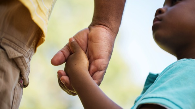 over-140,000-kids-have-lost-a-caretaker-to-covid-19,-majority-children-of-color:-cdc-study
