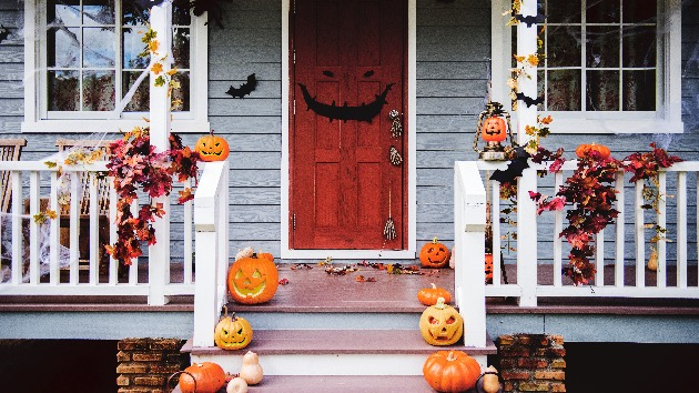fauci-gives-halloween-safety-guidance,-says-'go-out-there-and-enjoy'