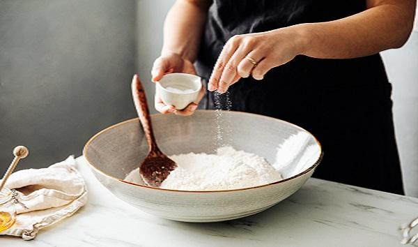 fda-recommends-restaurants,-food-manufacturers-cut-back-on-use-of-salt