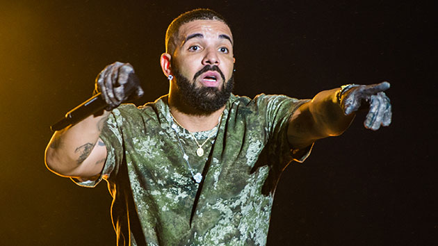 """drake-shows-love-for-the-return-of-adele:-""""one-of-my-best-friends-in-the-world-just-dropped-a-single"""""""